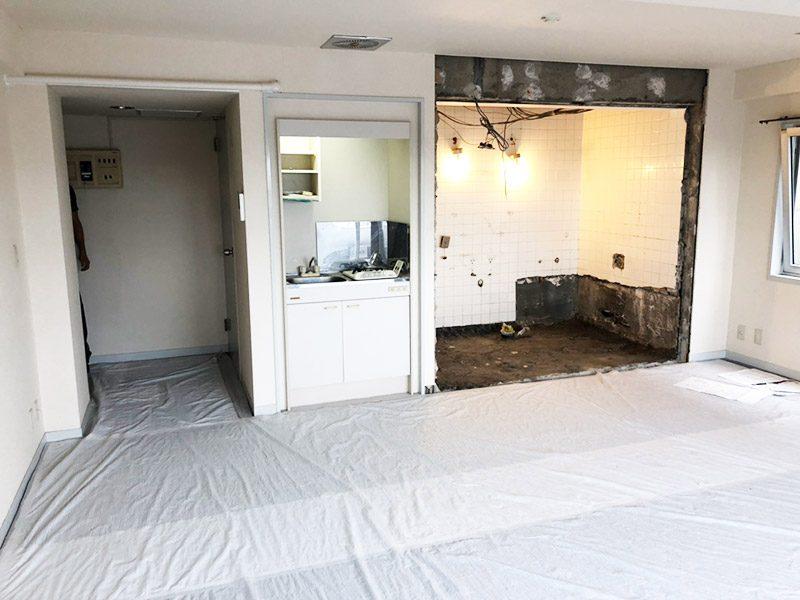 浴室の解体施工後1