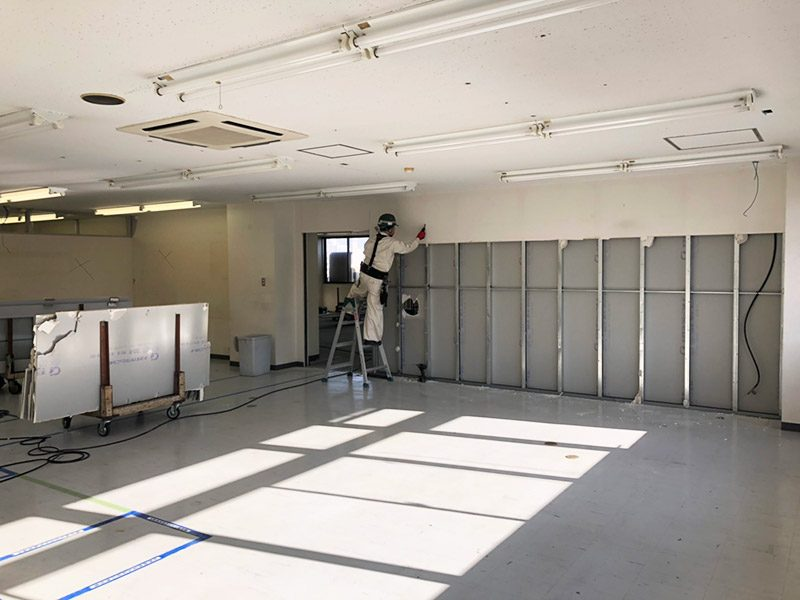 倉庫内オフィス施工前1