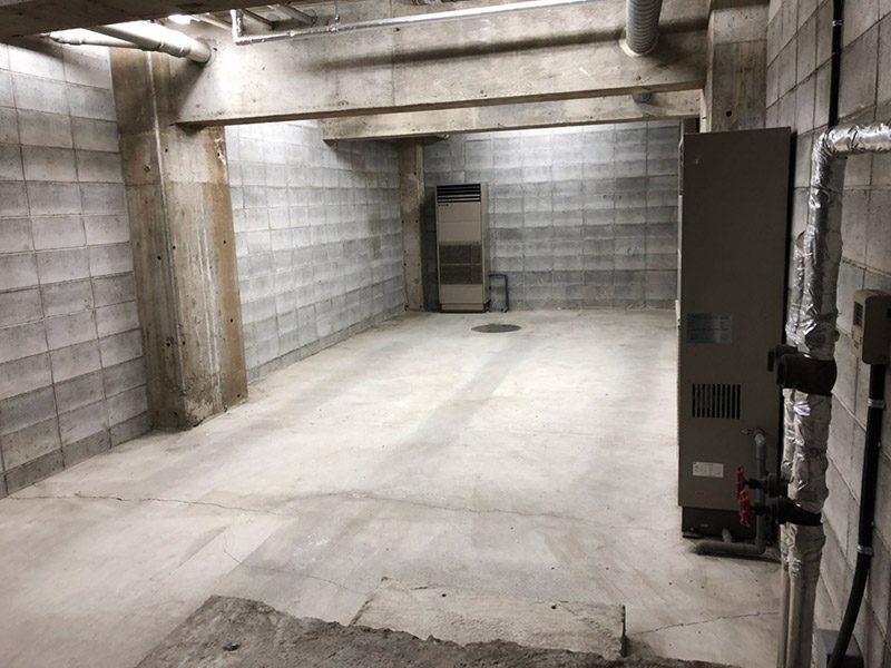 地下倉庫1